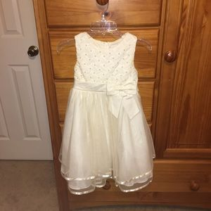 Rare Editions ivory dress! Only worn once!!